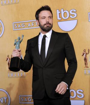 'Argo' on a roll with big win at SAG Awards