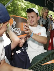 Browns quarterback Johnny Manziel (AP Photo/Tony Dejak)