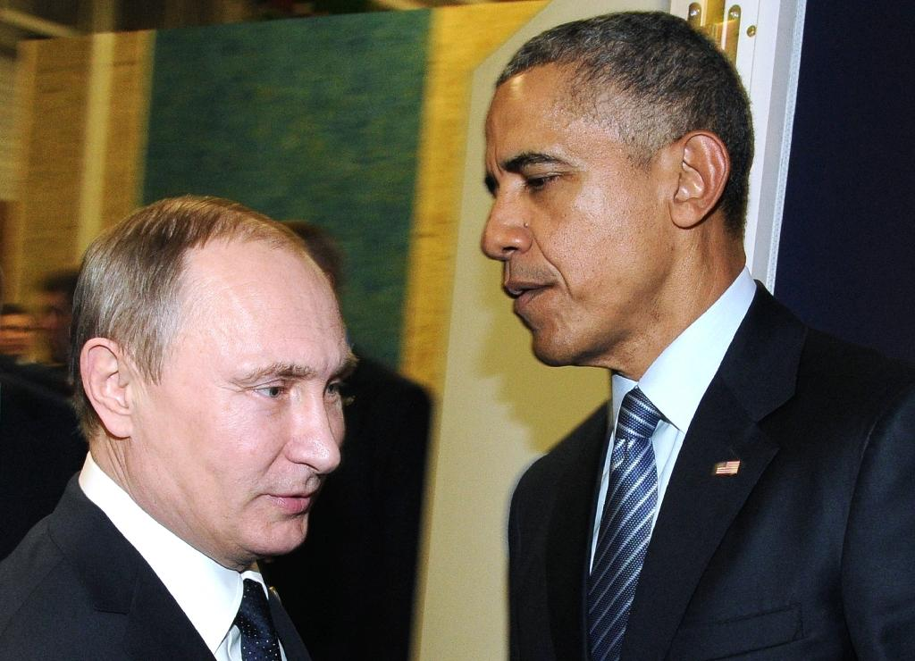 Obama urges Putin to end air strikes against Syrian opposition
