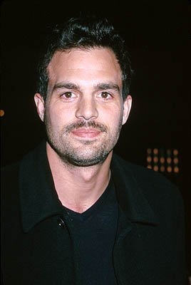 Premiere: Mark Ruffalo at the Beverly Hills premiere of Miramax Films' Chocolat - 12/11/2000