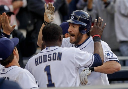 Denorfia's 2-run homer lifts Padres to 2-1 win