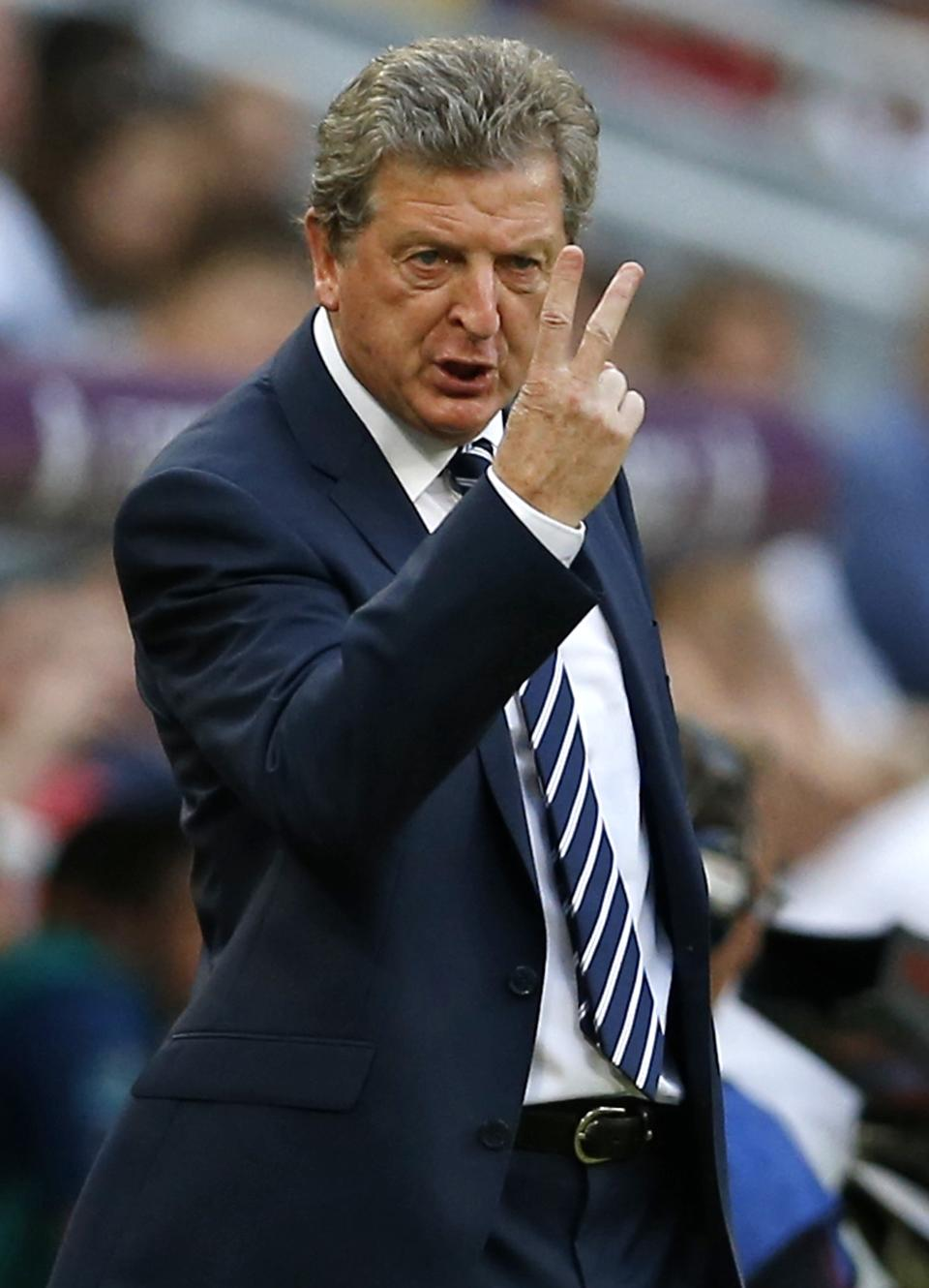 England manager Roy Hodgson shouts indications to his players during the Euro 2012 soccer championship Group D match between France and England in Donetsk, Ukraine, Monday, June 11, 2012. (AP Photo/Kirsty Wigglesworth)