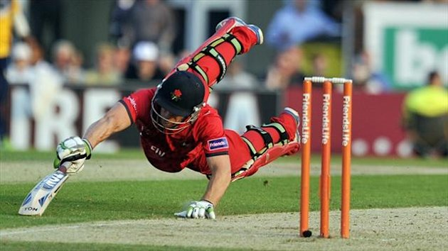 Steven Croft helped Lancashire to a draw with Yorkshire