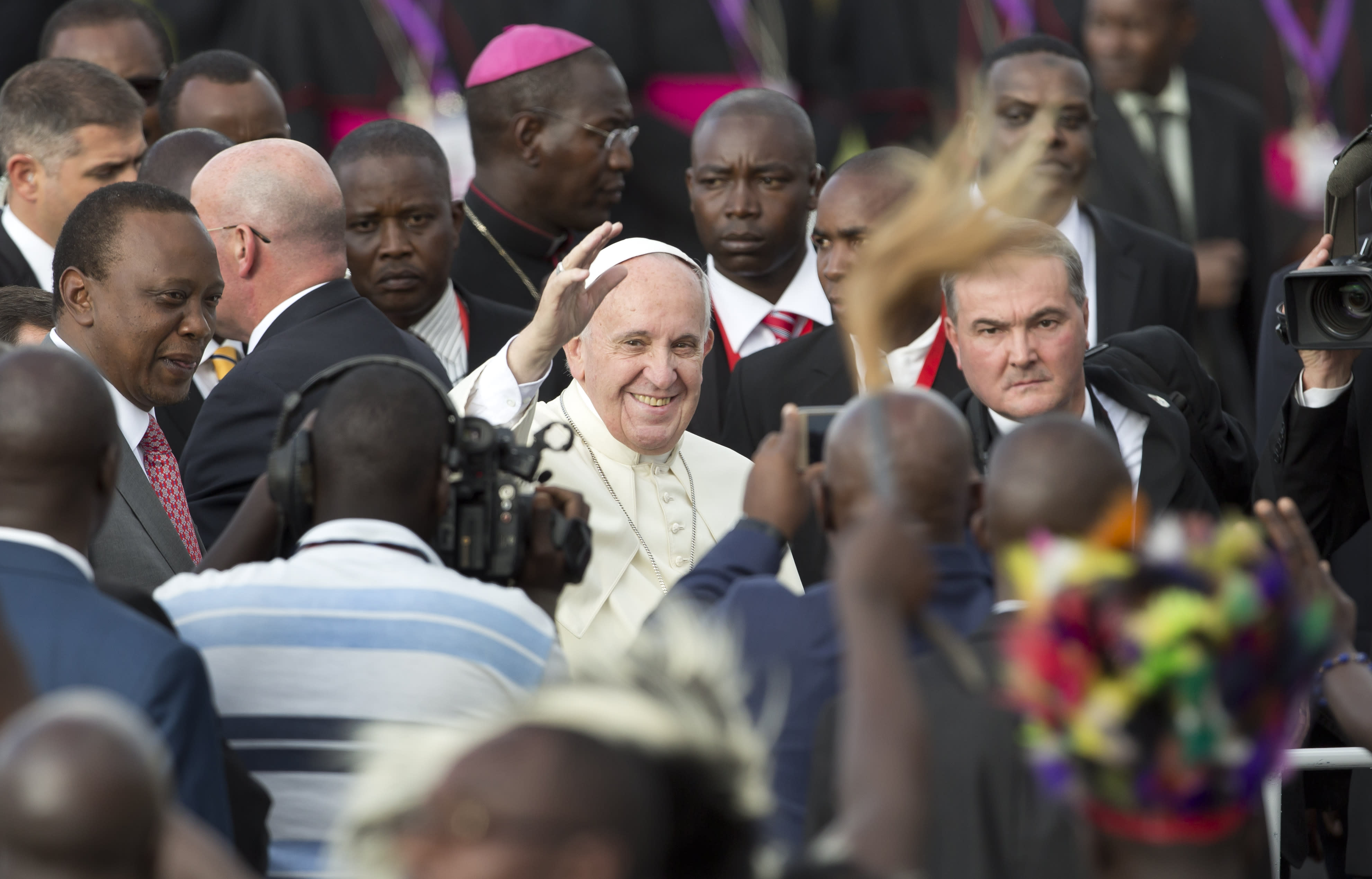 Pope arrives in Kenya in pilgrimage to 3 African countries