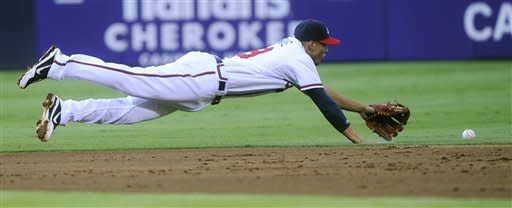 Tim Hudson pitches Braves past Diamondbacks 8-1