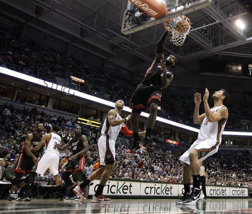 James scores 35, Heat finally beat Bucks 114-96