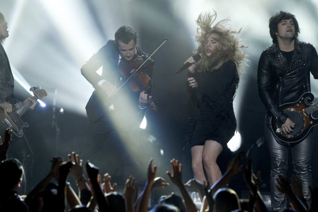 Members of The Band Perry perform during the Billboard Music Awards in Las Vegas