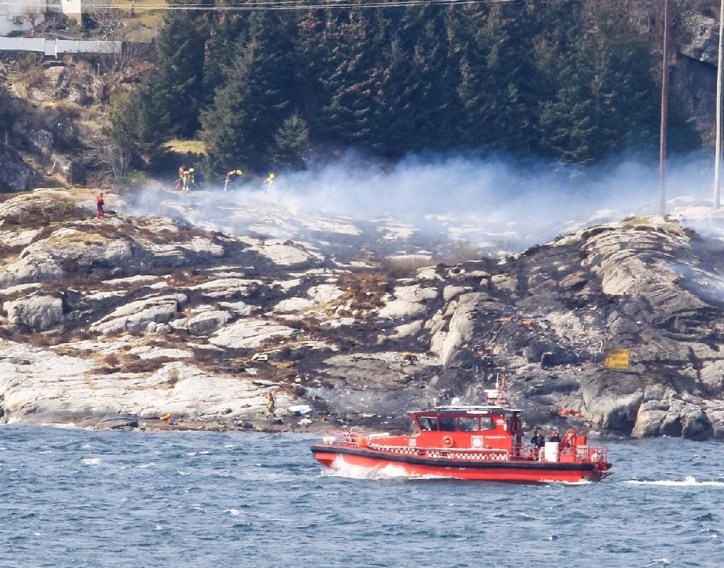 Helicopter crash off Norway kills 13 oil workers