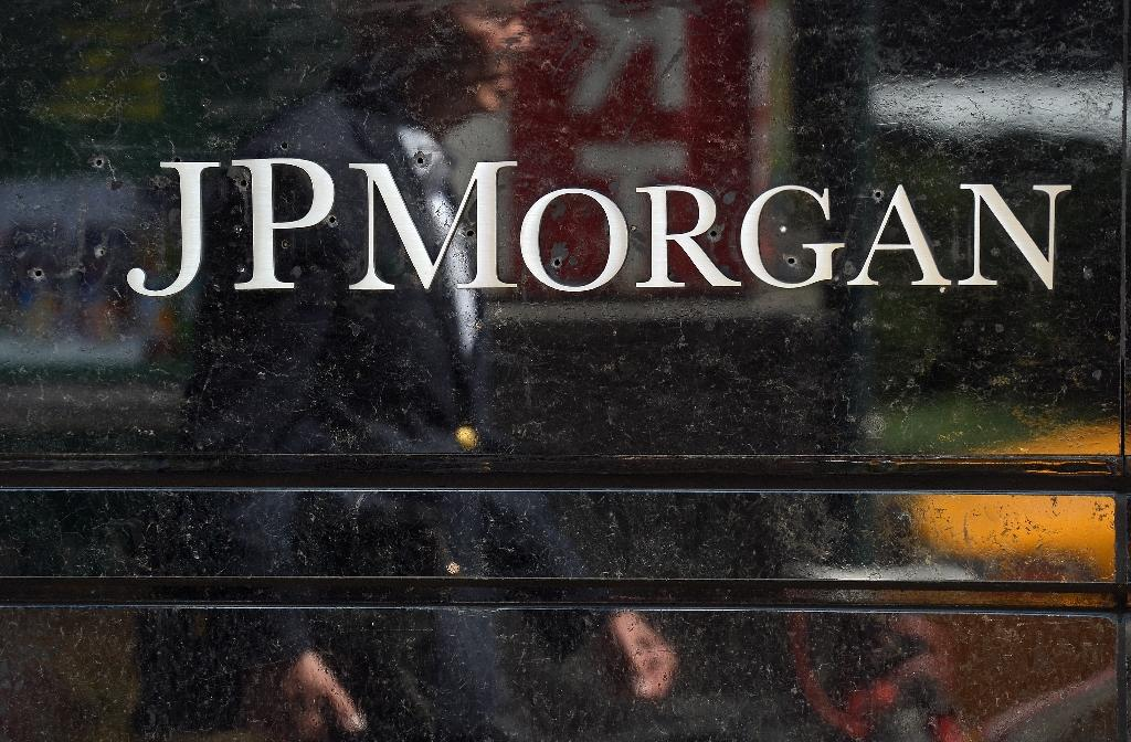 Ex-JPMorgan analyst charged with insider trading