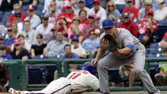 Hawkins gets 100th save, Mets beat Phillies 4-3