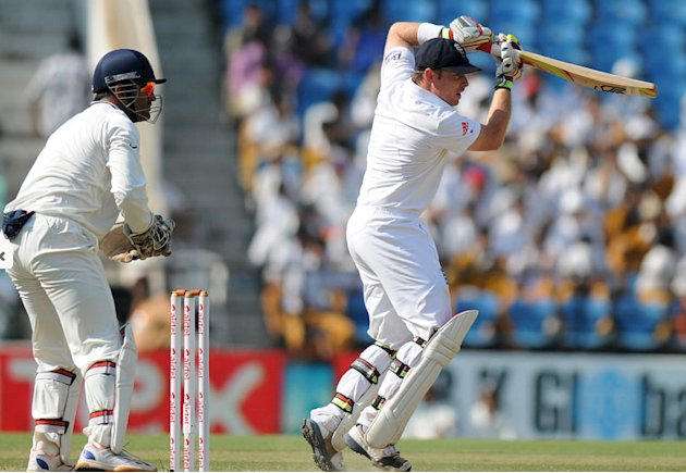 Ian Bell plays a shot on Day 5 of the fourth Test between India and England at the Jamtha Stadium in Nagpur, Monday, December 17, 2012 (c) BCCI