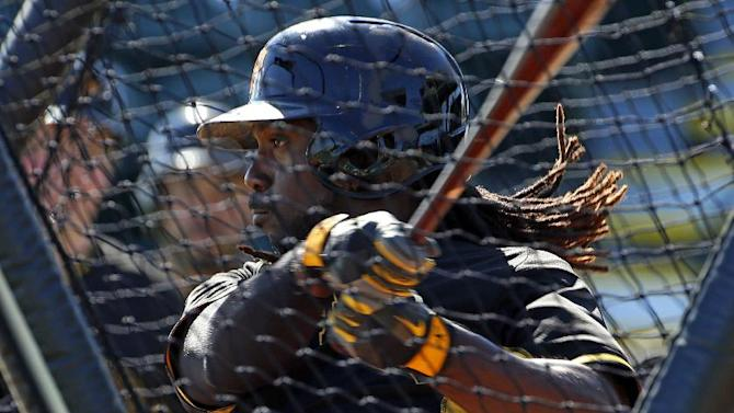 Alvarez, Martin homer as Pirates beat Red Sox 7-6