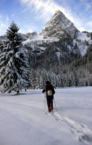 Winter Hiking: Three Best Expedition Backpacks