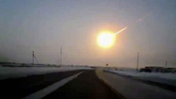 Fiery meteor explodes over Russia; 1,100 injured (PHOTOS)