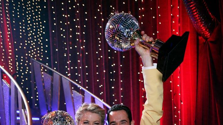 The two-time Indianapolis 500 Champion Helio Castroneves and his professional partner Julianne Hough were crowned champions on the 5th season of Dancing with the Stars.
