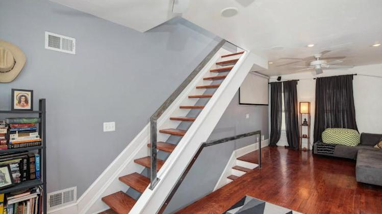 Photo tour: An ultra-narrow house in D.C. second floor stairs
