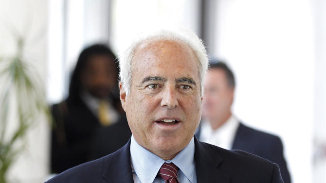 Philadelphia Eagles owner Jeffrey Lurie arrives for an NFL owners labor committee meeting in College Park, Ga., on Thursday, July 21, 2011. (AP Photo/John Bazemore)