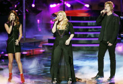 Cassadee Pope, Kelly Clarkson and Terry McDermott | Photo Credits: Tyler Golden/NBC