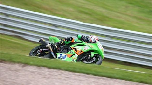 Oulton BSB: Seeley wins Supersport battle