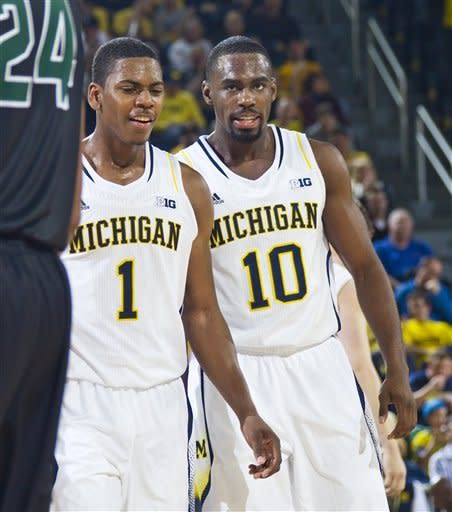 No. 5 Michigan routs Slippery Rock 100-62