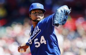 Royals sweep Red Sox, 4-2 and 5-4 (10 innings)