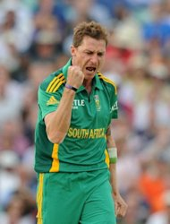 South Africa&#39;s Dale Steyn (R) during the third ODI against England in August. Steyn, arguably the world&#39;s best fast bowler, was named man-of-the-match for a return of one for 13 in four overs -- all bowled in one-over spells
