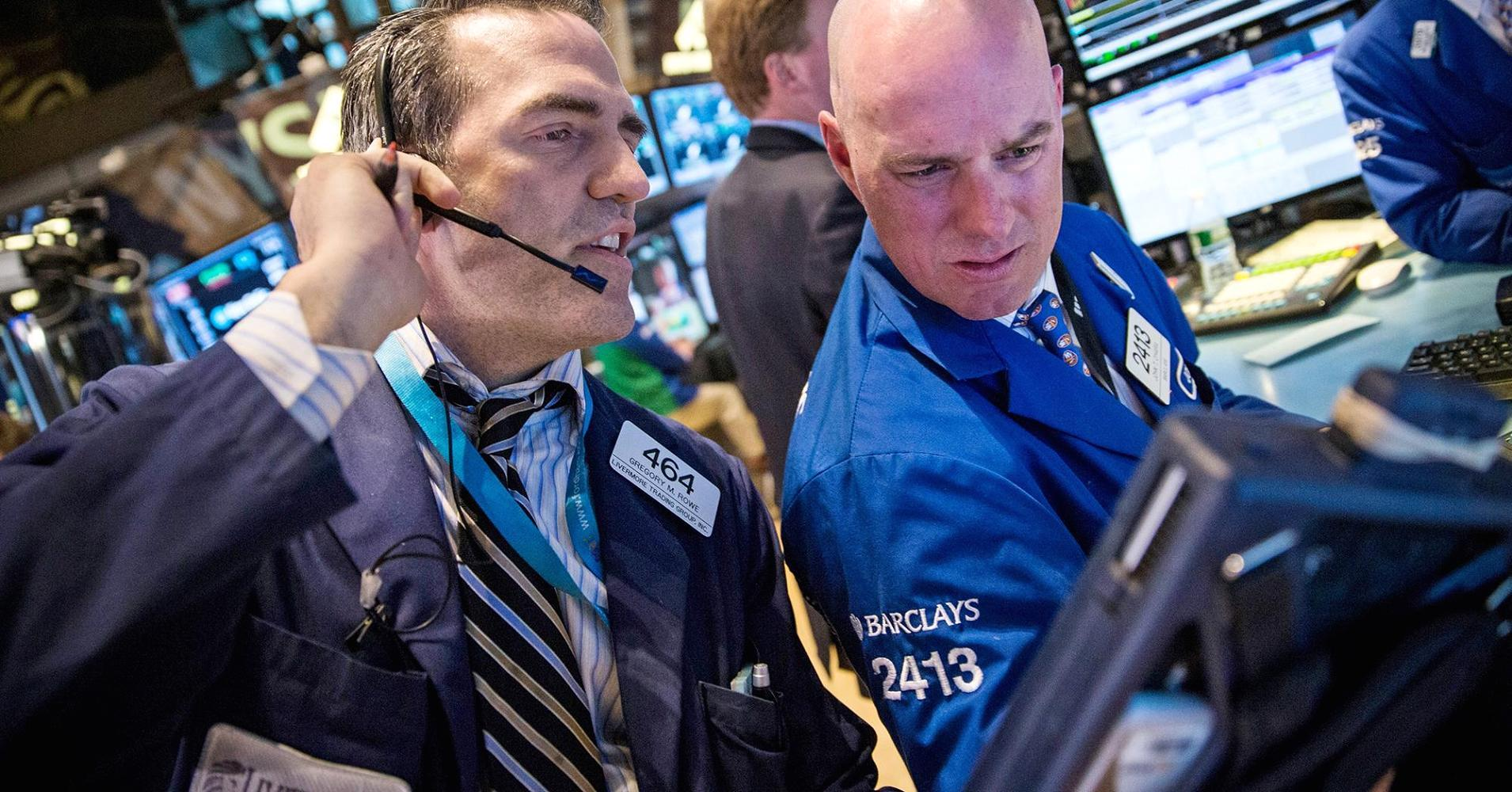Stocks fail to hold momentum from oil gains; earnings eyed