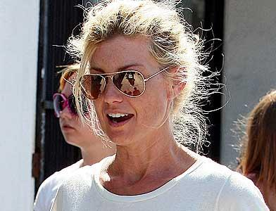 pst Faith Hill And Family Shopping