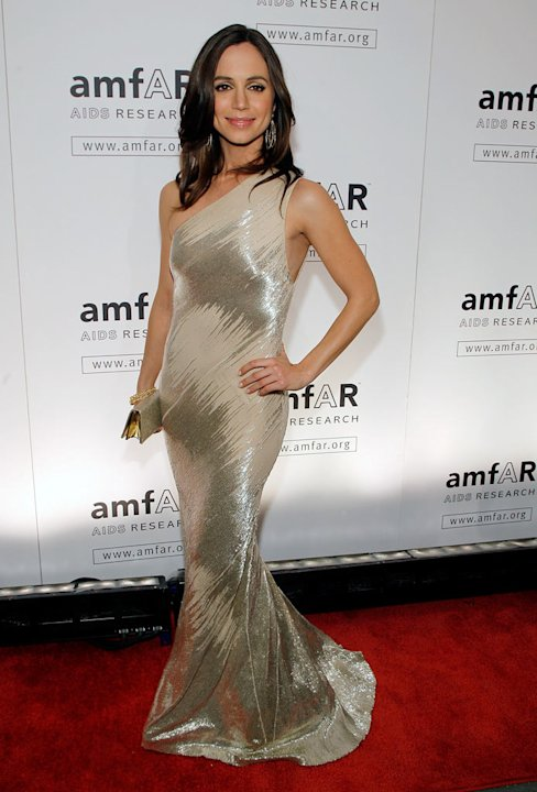 Eliza Dushku attends the amfAR New York Gala at Cipriani on 42nd Street to kick off Fall 2009 Fashion Week on February 12, 2009 in New York City.