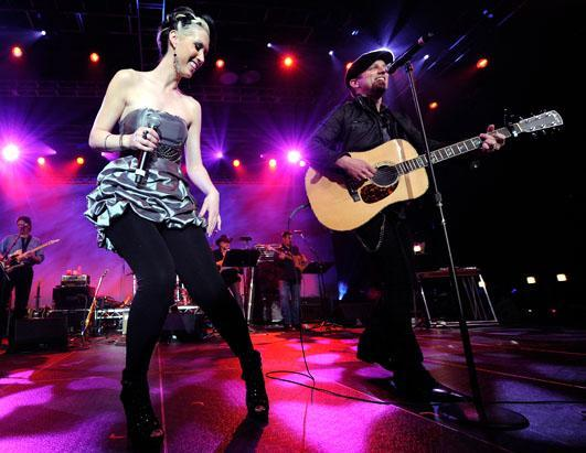gty_thompson_square_dm_110906_ssh.jpg