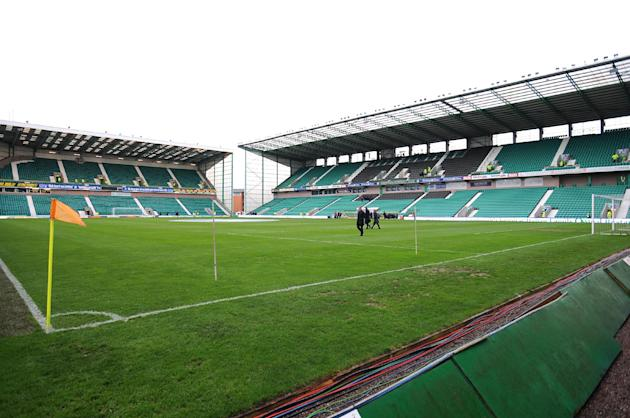 Hibernian lost 900,000 pounds before tax in this financial year