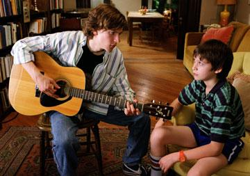 Jesse Eisenberg and Owen Kline in Samuel Goldwyn Films' The Squid and the Whale