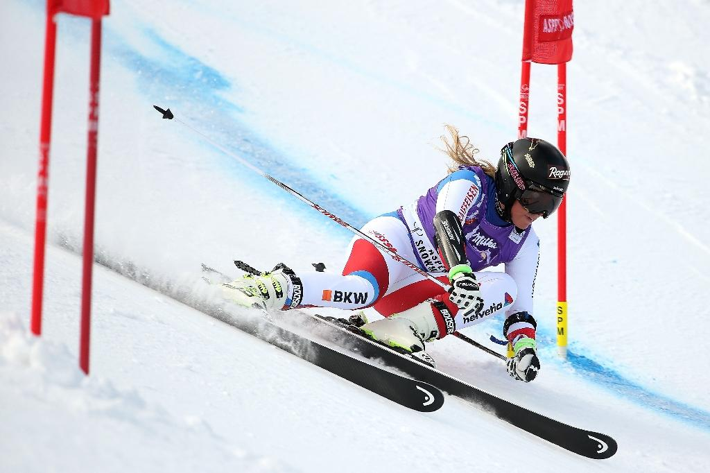 Gut wins Aspen giant slalom after Shiffrin fall
