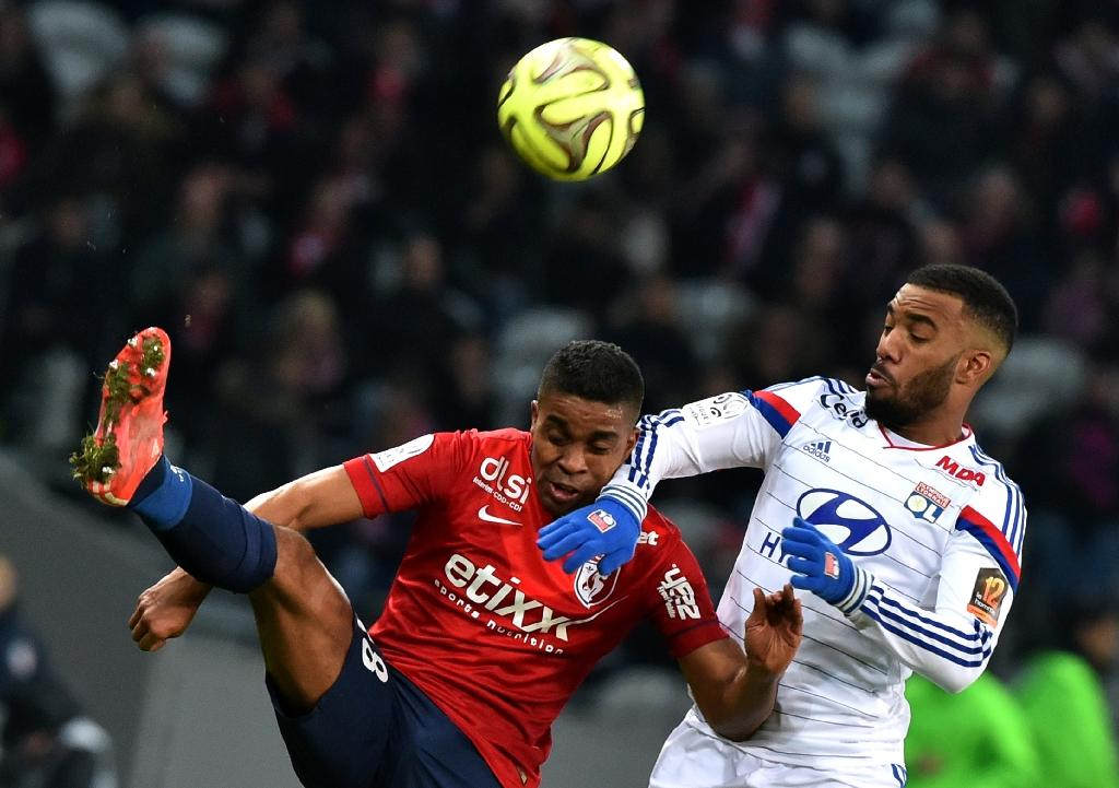 Lille stun Lyon and give PSG massive boost
