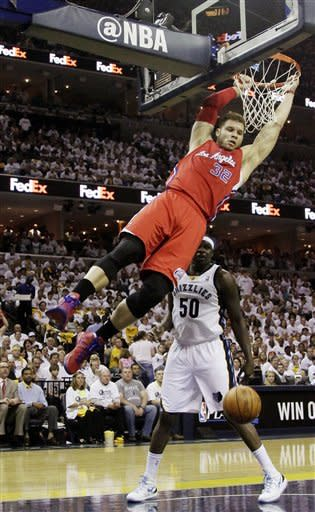 Clippers rally from 27 down, stun Grizzlies 99-98