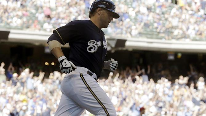 Reynolds homers twice, Brewers top Reds 5-1