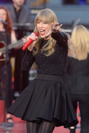Taylor Swift peforms at ABC News' Good Morning America Times Square Studio in New York City on October 23, 2012  -- Getty Images