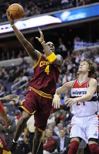Crawford scores 31 as Wizards hang on for win