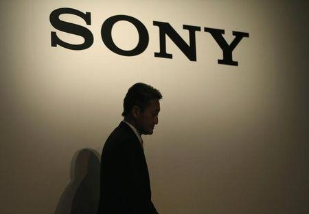 "Sony's Hirai faces attack from activist ""old boys"" - sources"