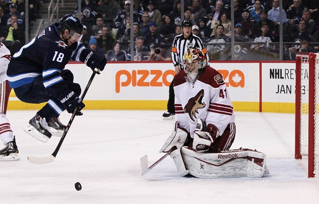 Live Mike Smith's Nightmare Along With Him As Jets Attempt 10 Shots In A Minute (video)