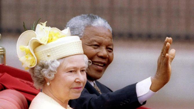 File photo of South Africa's President Nelson Mandela and Britain's Queen Elizabeth outside Buckingham Palace