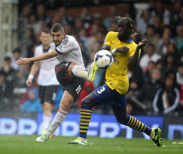 Soccer - Barclays Premier League - Fulham v Arsenal - Craven Cottage