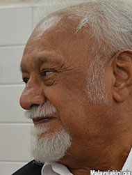 Scrap Batu Caves condo now, Karpal tells S&#39;gor gov&#39;t