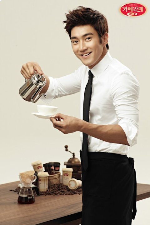 Super Junior's Choi Siwon Turns into Barista for Caffe Latte