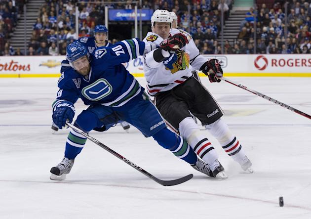 Chicago Blackhawks v Vancouver Canucks