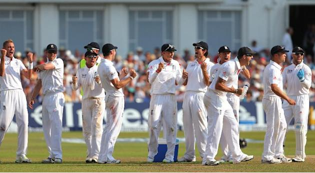 Cricket - First Investec Ashes Test - England v Australia - Day Four - Trent Bridge