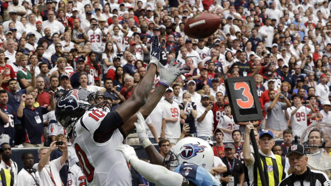 Hopkins gives Texans win over Titans, 30-24