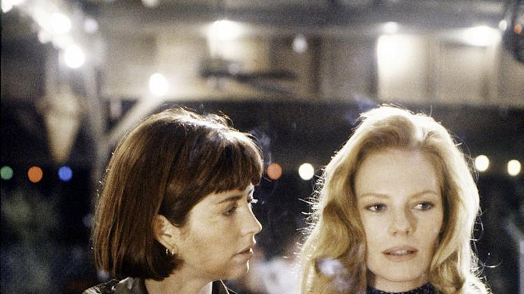 """China Beach"" DANA DELANY, MARG HELGENBERGER"