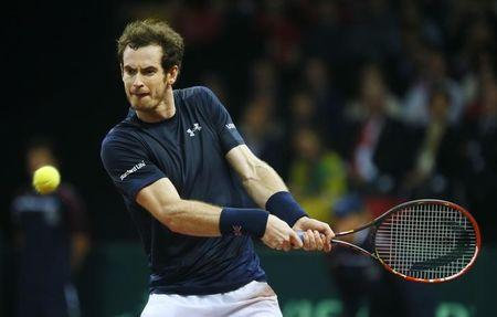 Britain reach summit on Murray's broad shoulders