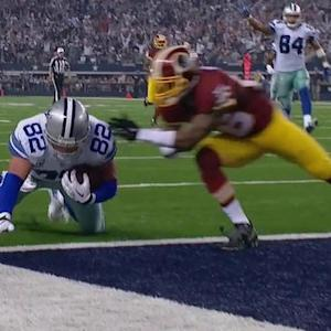 Dallas Cowboys quarterback Brandon Weeden feeds tight end Jason Witten a 25-yard TD